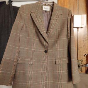 Tan plaid beautiful suit